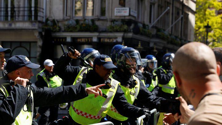 اشتباكات بين الشرطة البريطانية ومتظاهرين يمينيين وسط لندن