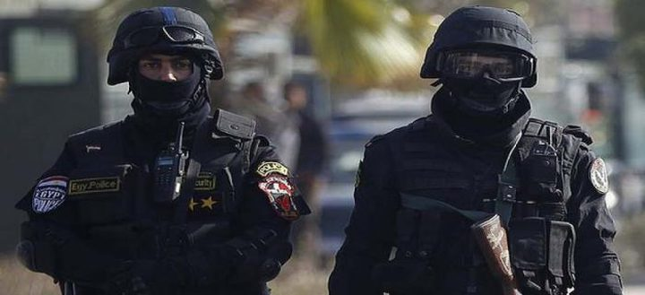 مصر.. التحقيق في ملابسات جريمة غامضة ضحيتها أسرة بأكملها