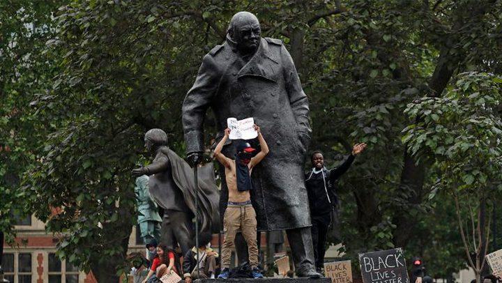 رئيس الوزراء البريطاني يدافع عن تشرشل ويمنع إزالة تمثاله