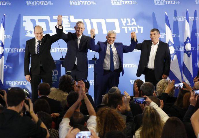 """استقالة 5 وزراء من حزب""""أزرق أبيض""""من عضوية الكنيست"""
