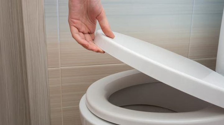 كيف تتخلص من خطر إنتشار كورونا في المراحيض ؟