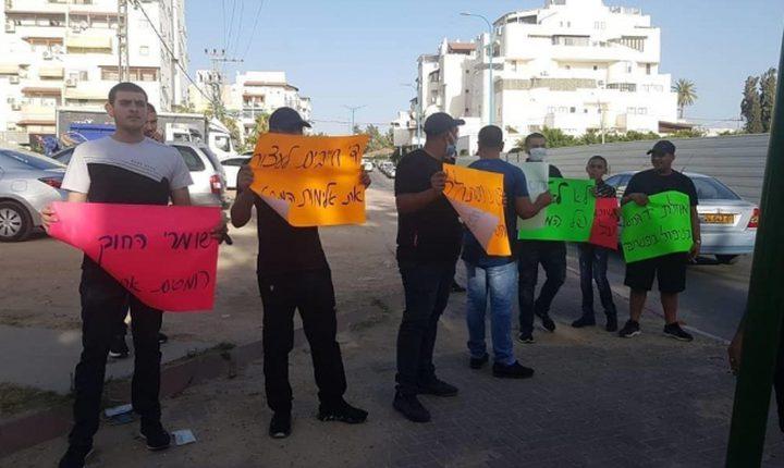 وقفة احتجاجية ضد اعتداءات شرطة الاحتلال على الاهالي