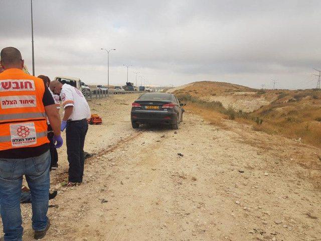 مصرع مواطن وإصابة آخر في حادث طرق