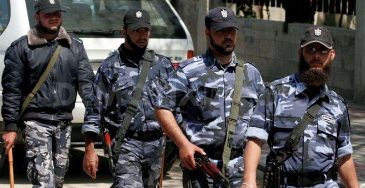 المركز الفلسطيني:نتابع بقلق اعتقال مواطنين في غزة على خلفية الرأي