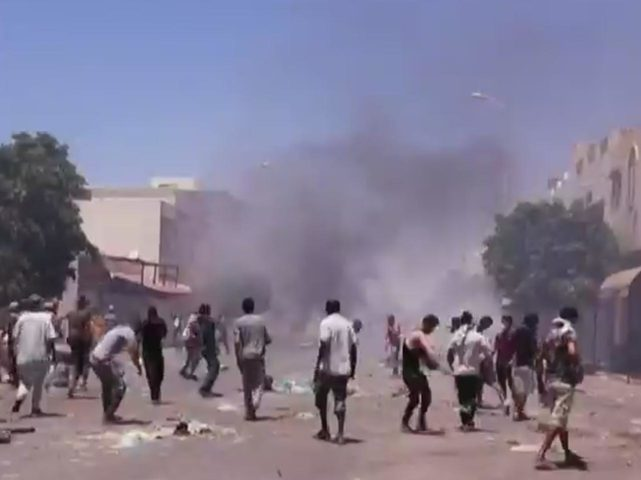 اندلاع مواجهات بين الشرطة التونسية ومحتجين جنوب البلاد