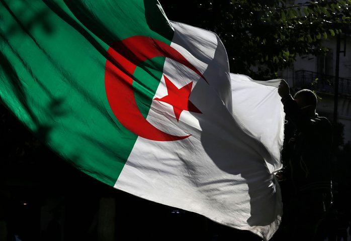 """الجزائر تتجه لسن قانون """"تجريم الاستعمار الفرنسي"""""""