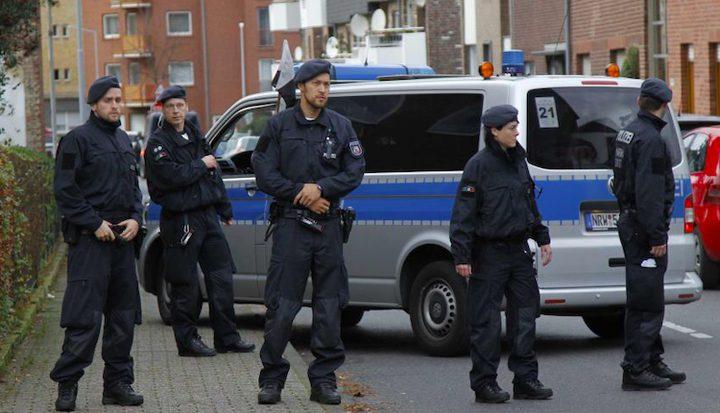 """المانيا تعتقل طبيبا سوريا بتهمة ارتكاب """"جرائم ضد الإنسانية"""""""