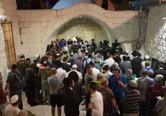 إصابات خلال اقتحام قبر يوسف بنابلس