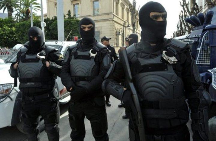 القبض على 25 مشتبها بانتمائهم لتنظيم إرهابي في تونس
