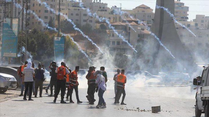 أريحا: إصابات بالاختناق خلال مواجهات مع الاحتلال في قرية فصايل