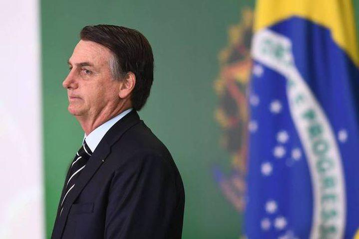القضاء البرازيلي يجبر الرئيس على إرتداء الكمامة