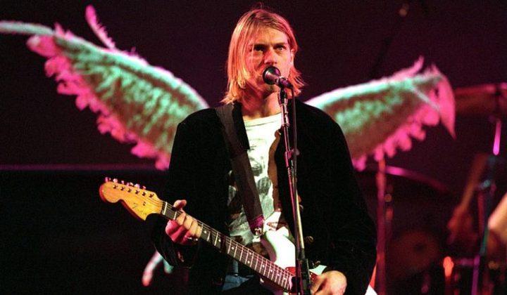 بيع جيتار النجم الأمريكي كورت كوبين في المزاد العلني