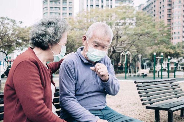 تحذير.. لقاح كورونا لا يحمي كبار السن من خطر الوفاة
