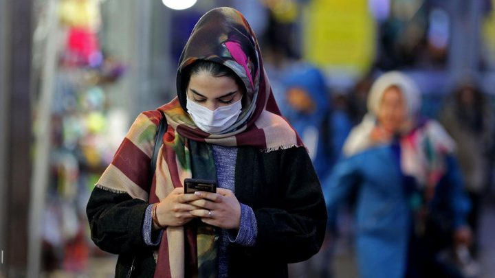 إيران تكشف: إجمالي الإصابات بفيروس كورونا يتخطى عتبة الـ220 ألفا