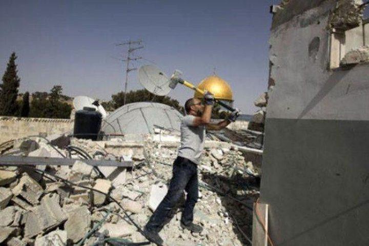 القدس: الاحتلال يمهل مواطناً حتى ظهر الإثنين لهدم منزله ذاتياً