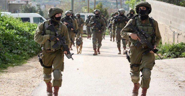 قوات الاحتلال تقتحم بيت إكسا وتشرع بعمليات تجريف