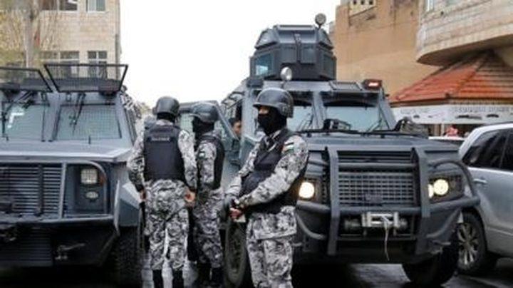 الكشف عن إحباط عمل إرهابي استهدف كنيسة ومحلا تجاريا في الاردن