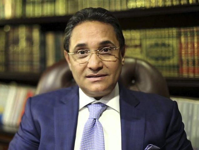 إصابة الإعلامي المصري عبد الرحيم علي بفيروس كورونا