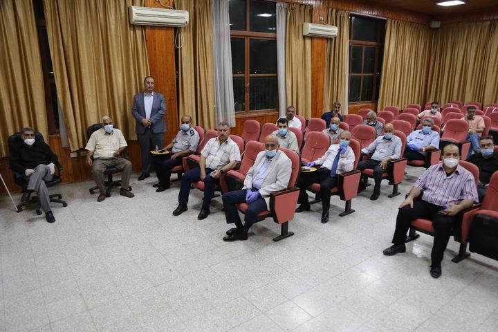 لجنة الطوارئ تناقش عدداً من القضايا في محافظة قلقيلية