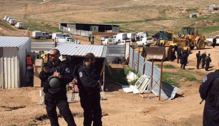 الاحتلال يسلم إخطارات بوقف العمل في مساكن بمسافر يطا