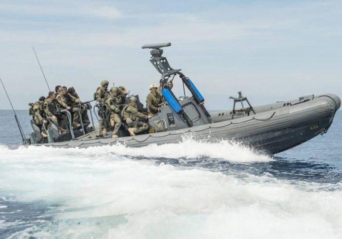 زوارق بحرية الاحتلال تهاجم الصيادين في بحر غزة