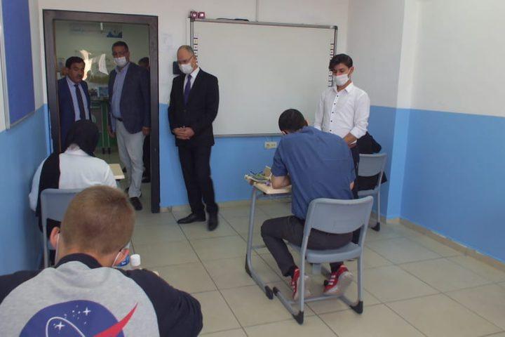 """انطلاق امتحانات """"التوجيهي"""" بمدرسة فلسطينية بتركيا"""
