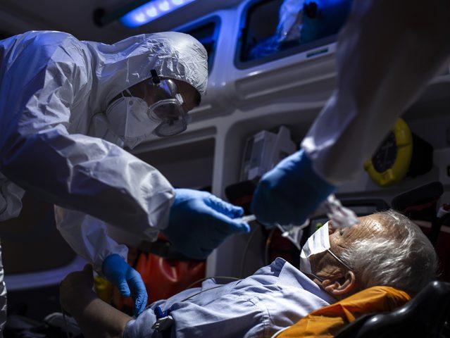 الولايات المتحدة: إصابات كورونا تتجاوز حاجز المليونين ونصف