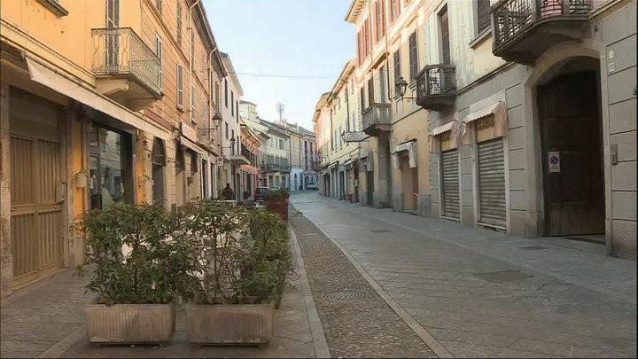 """كورونا يتفشى في بلدة إيطالية ولكن """"دون أعراض"""""""