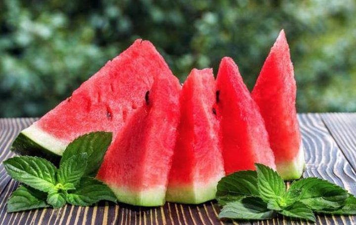 الصينيون يبتكرون طريقة جديدة لزيادة حلاوة البطيخ !