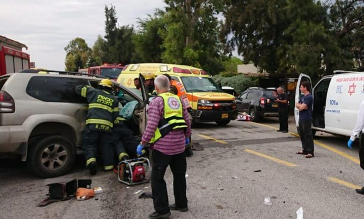 3 إصابات بينها خطيرة في حادث طرق بالنقب