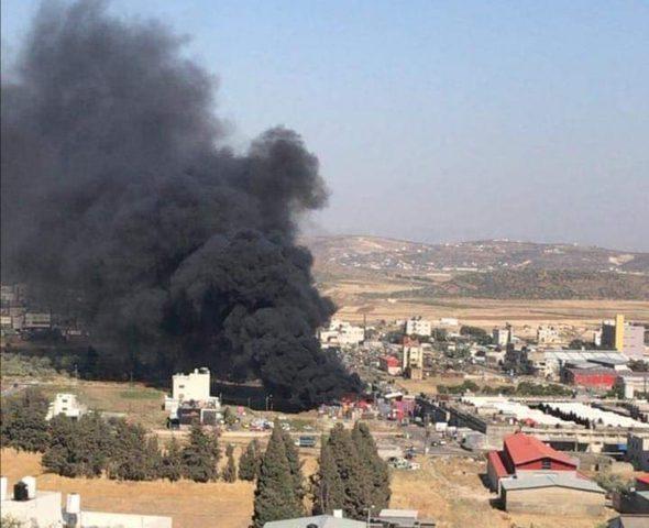 حريق بالساحة الخلفية لحسبة الخضار شرق نابلس