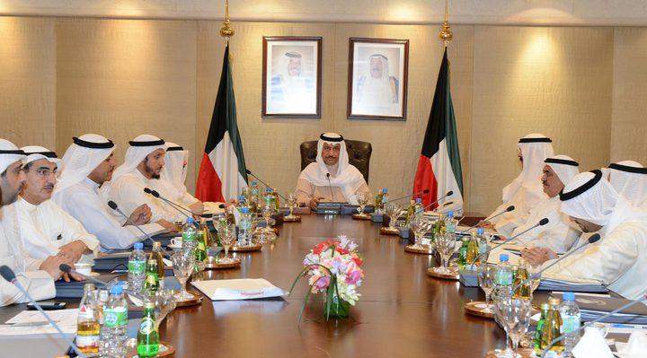 الكويت تقر قانونا لمعالجة التركيبة السكانية وحل قضية تجارة الإقام