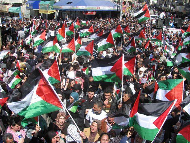 """مسيرة جماهيرية في أراضي """"خلة حسان"""" بمحافظة سلفيت"""
