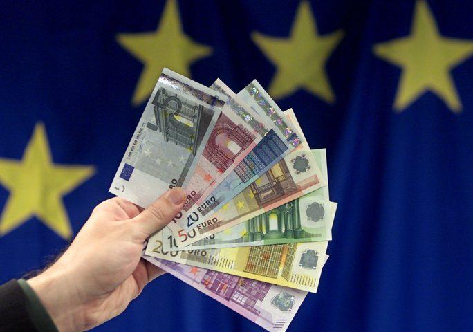 توقعات بارتفاع على سعر اليورو