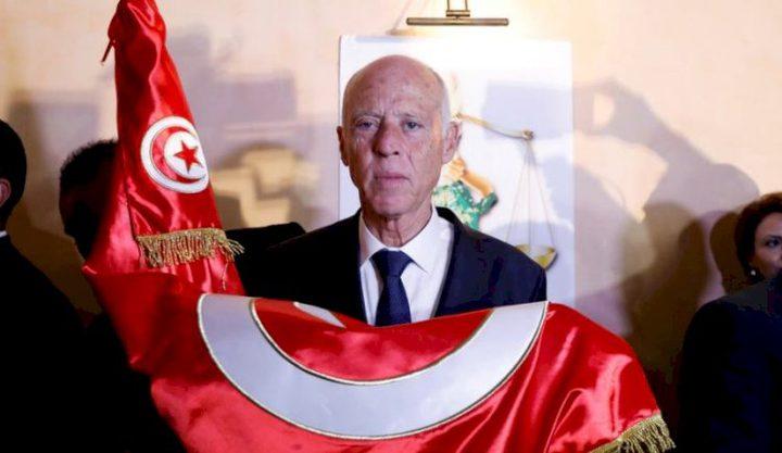 الرئيس التونسي يمنح 34 فلسطينياً الجنسية التونسية