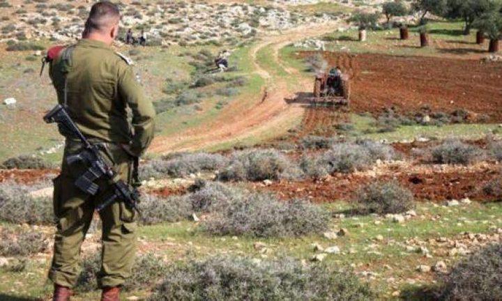 الاحتلال يخطر بالاستيلاء على أراضي في قرية شوفة