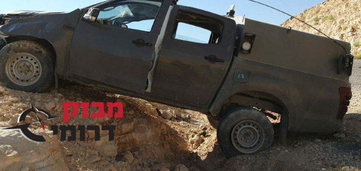 إصابة 4 عناصر من قوات الإحتلال جراء انقلاب مركبتهم
