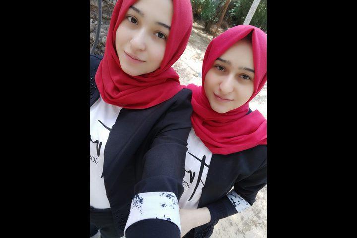 توأم من غزة: أصرينا على التفوق ليكون الدافع في شفاء والدتنا