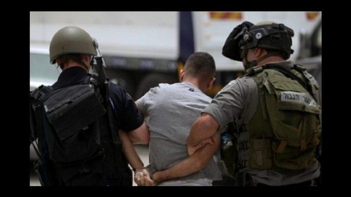 قوات الاحتلال تعتقل شابين من يعبد غرب جنين