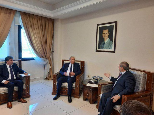 الرئيس عباس يرسل رسالة إلى نظيره السوري