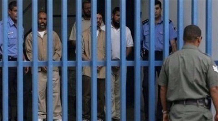 """نتائج فحوصات الأسرى في """"عيادة سجن الرملة"""" سلبية"""