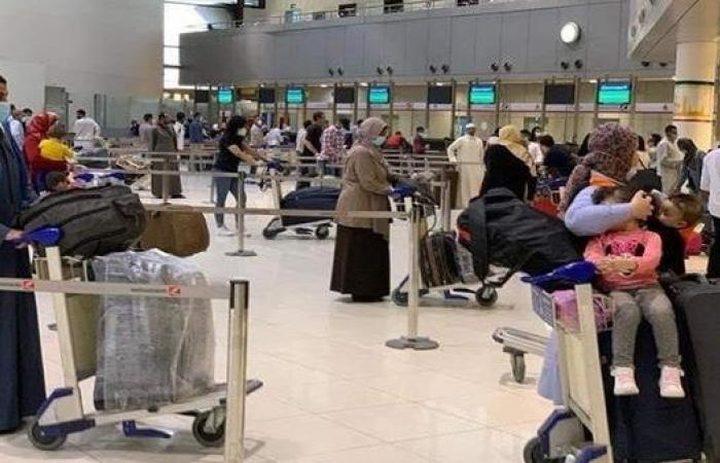 1215 عالقا مصريا يغادرون الكويت إلى 4 محافظات عبر 7 رحلات
