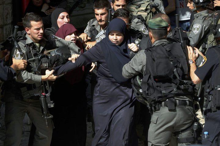 الهيئة: 42 أسيرة في سجون الاحتلال يعشن ظروفا اعتقالية صعبة
