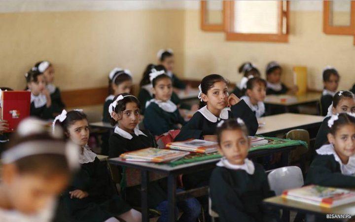 """""""التربية والتعليم"""" تناقش سيناريوهات العودة للمدارس"""