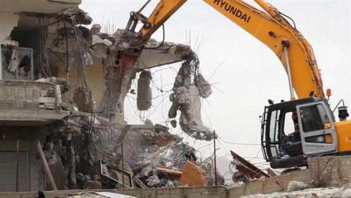 الاحتلال يخطر بهدم ووقف البناء في ثلاثة محال تجارية في يعبد
