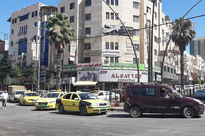 شوارع خالية من حركة المواطنين في الخليل مع إعلان حالة الطوارئ بسبب كورونا