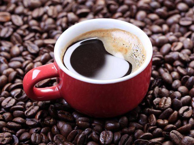 تحذير.. تناول القهوة في الجو الحار يؤدي إلى جفاف الجسم