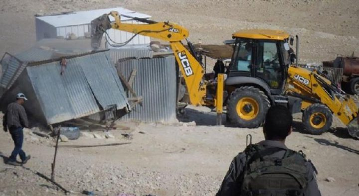 الاحتلال يهدم مسكنا زراعيا في دورا جنوب الخليل