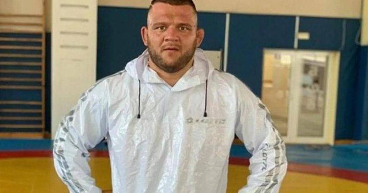 وفاة بطل المصارعة البلغارية بفيروس كورونا