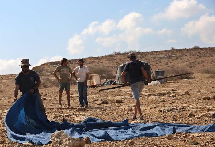 مستوطنون ينصبون خياما على جبل صبيح جنوب محافظة نابلس